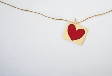 Heart on string eluding to brand communication